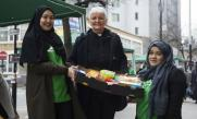 Thousands of Muslims donate 10 tonnes of food to help homeless Londoners at Christmas