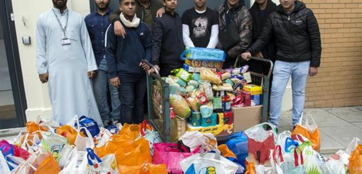 London Muslims donate 10 tonnes of food for Homeless at Christmas
