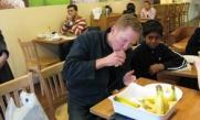 Kamran Goes Bananas to Break World Record