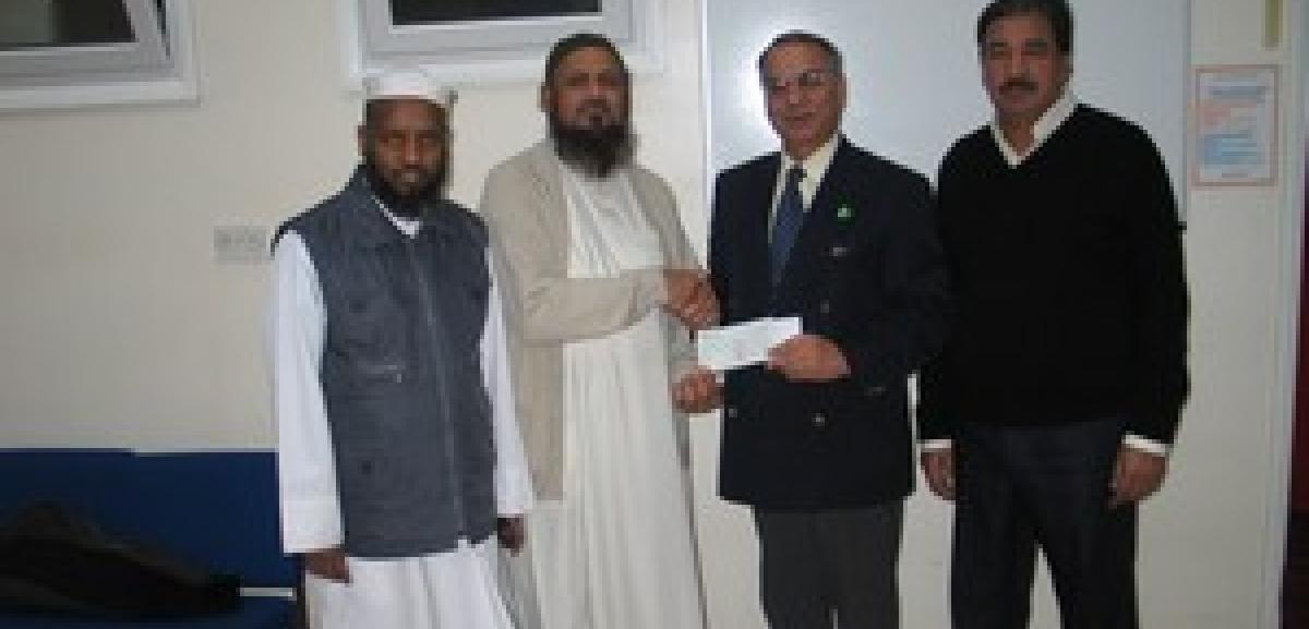 Noor Ul Islam Trust helps survivors of Pakistan Earthquake
