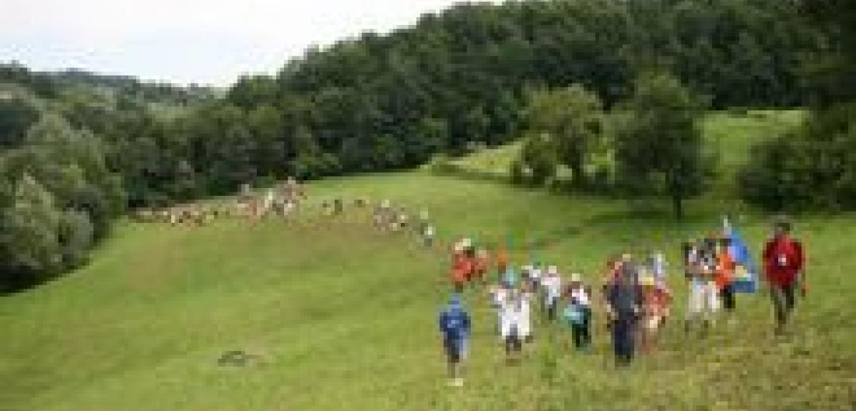 Muslim Aid walks for peace to commemorate Srebrenica conflict